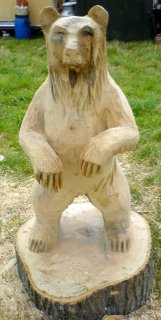 Bear carved with a chainsaw