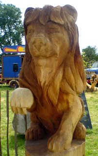 Lion carved with a chainsaw