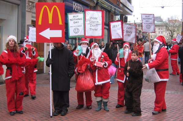 Buy Nothing Day Santas show solidarity with Mcdonalds workers :-)